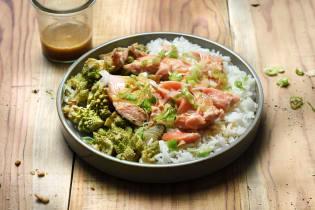Saumon vapeur, riz & chou romanesco